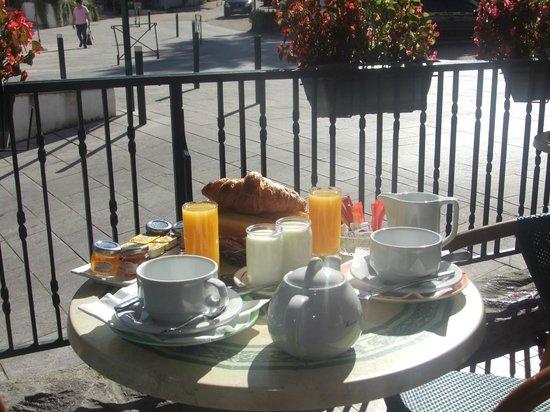 Hotel du Trinquet : Petit-déjeuner pour clients de l'hotel ou de passage