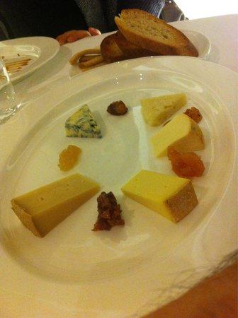 Kallmünz : tagliere di formaggi e confetture