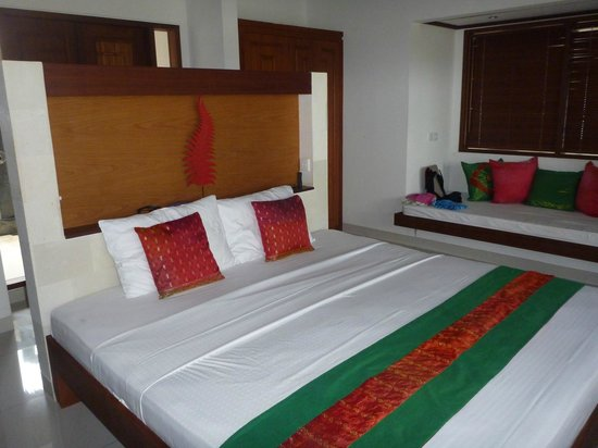 Palm Garden Amed Beach & Spa Resort: Large double bed