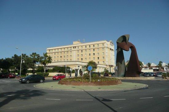 Tryp Melilla Puerto Hotel: View from marina