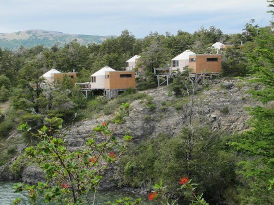 Patagonia Camp : yurts on the hill