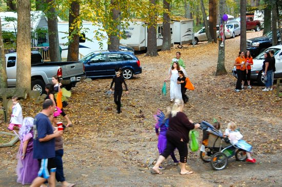 Whispering Pines Campground: Columbus Day Trick-or-Treat