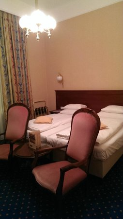 Hotel Kummer: Двухместный номер, очень удобные кресла