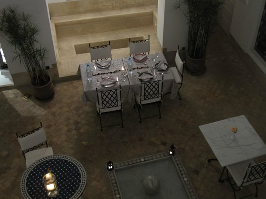 Riad Chi-Chi: Table laid for evening meal