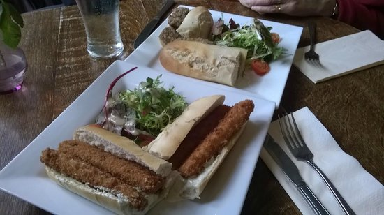 A super lunch at the welcoming Royal Oak.