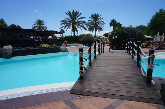 Gran Castillo Tagoro Family & Fun: Pool next to main restaurant