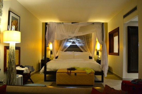 Kempinski Seychelles Resort: Suite bedroom