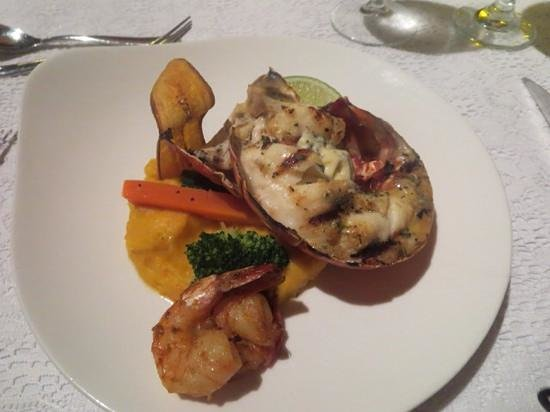 Sandals Grande Antigua Resort & Spa : lobster at eleanors...cooked perfectly!