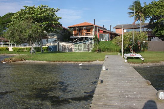 Pouso Lang Guest House: Casa, vista do pier / View of the house from the pier