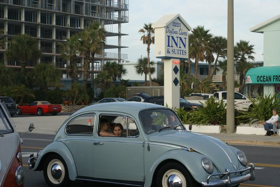 Daytona Shores Inn and Suites: christmas parade