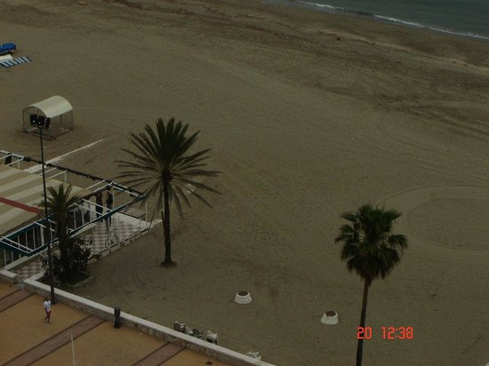 ILUNION Fuengirola: the beach just across the road