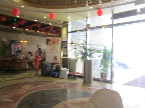 Crystal Plaza Hotel Sharjah: 14 февраля праздник в отеле