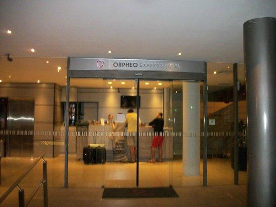 Orpheo Express Hotel: Recepção do hotel Orpheo Express