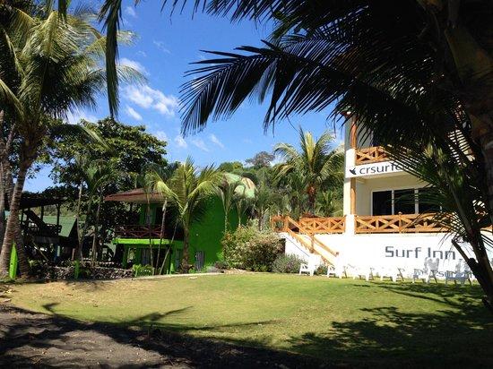 Playa Hermosa: The retailers