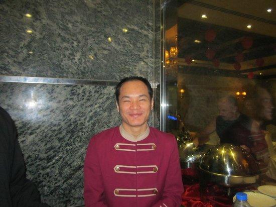 Crystal Plaza Hotel Sharjah: провожатый до номера