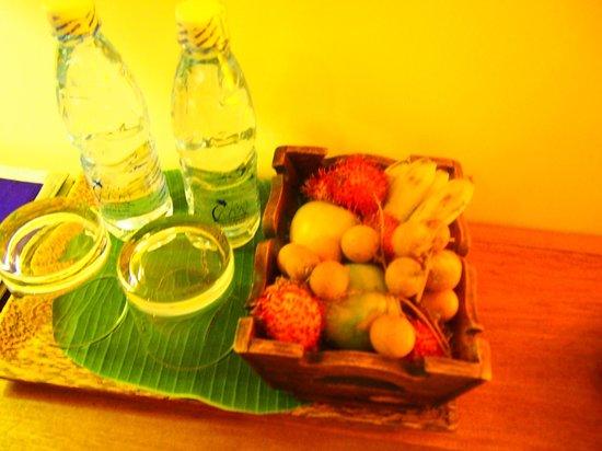 Navutu Dreams Resort & Wellness Retreat: welcome fruit  ウェルカムフルーツ