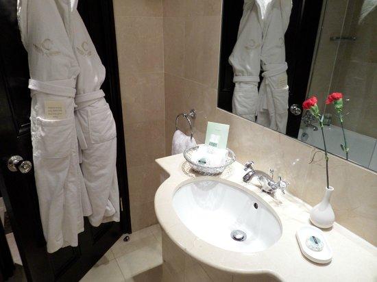 The Chesterfield Mayfair: Bathroom
