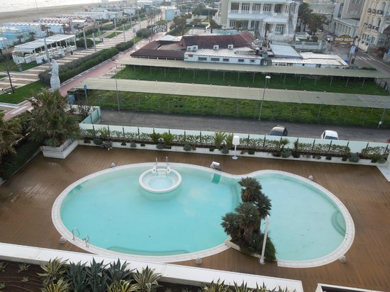 Ambasciatori Hotel: Vista Piscina