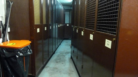 Hotel Bonavida: ski lockers