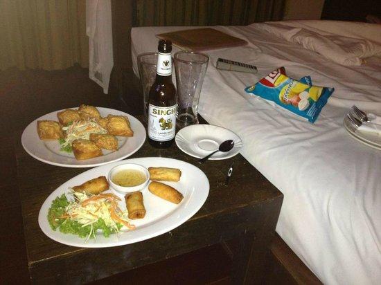 Kao Tao Villa Beach Resort: มื้อดึก