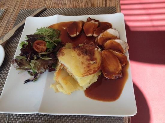 Cote Jardin : Mignons de porc et pommes de terre au gratin.