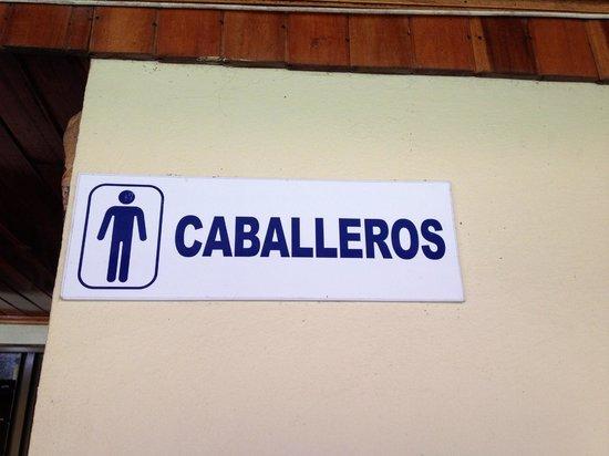 Termales del Bosque: Bathrooms by the restaurant