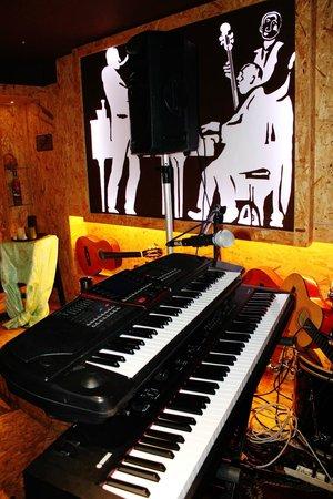 Music Box: Live Music