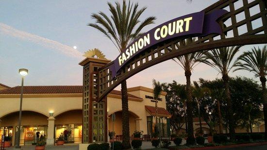 Camarillo Premium Outlets: Fashion Court section of Camarillo Premium Outlet,  Los Angeles, California. USA.