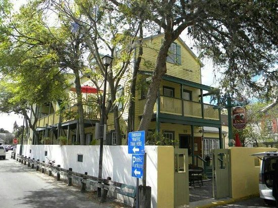 Agustin Inn : Augustin Inn