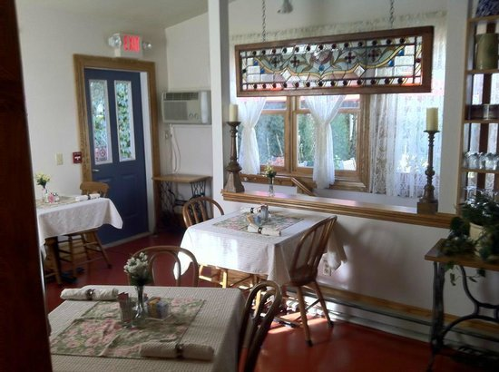 Patchwork Inn: Dining Room