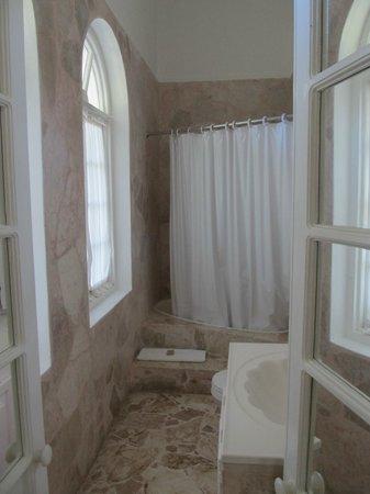Jamaica Palace Hotel: bathroom