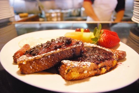 Villaggio Mediterranean Grill & Brick Oven Pizza: Extraordinary Breakfast! apricot, cream cheese, mango stuffed french toast,