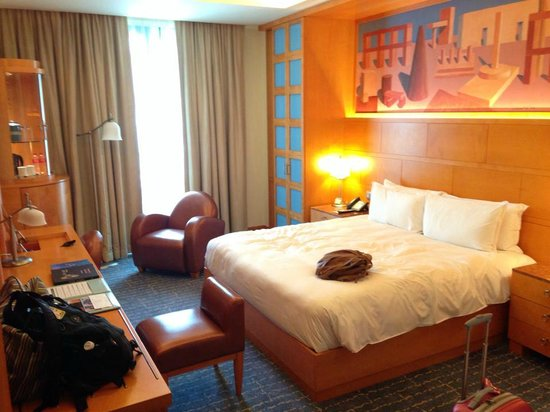 Resorts World Sentosa - Hotel Michael: Room