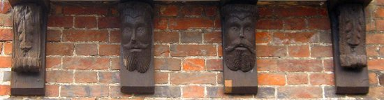 Green Man Heritage - Tours: carved heads, De Vaux House, 15C
