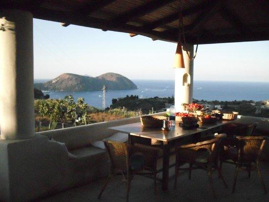 B&B Al Salvatore di Lipari : vista dalla cucina