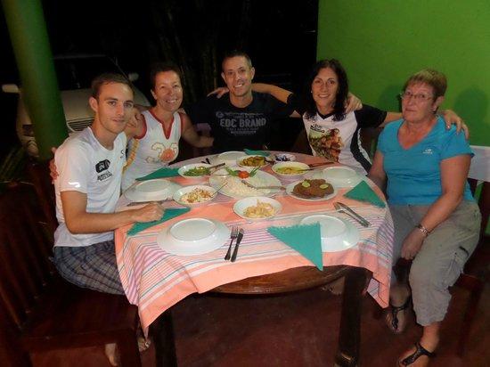 Leesha Tourist Home : Le parfait dîner