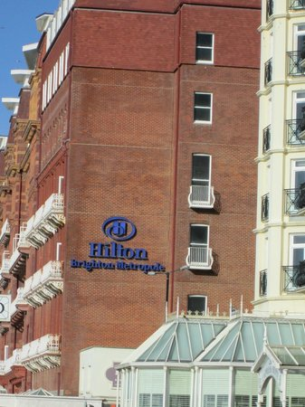 Hilton Brighton Metropole: Side of hotel