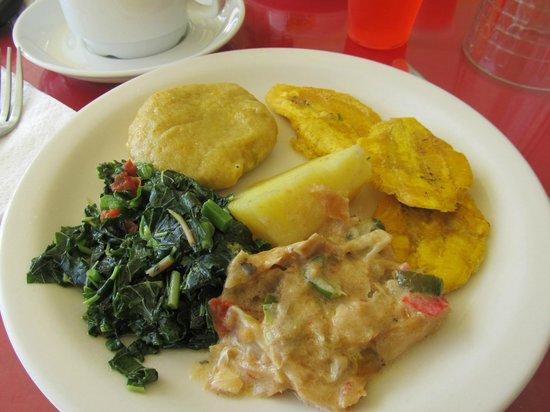 Bay View Eco Resort & Spa: Jamaican breakfast
