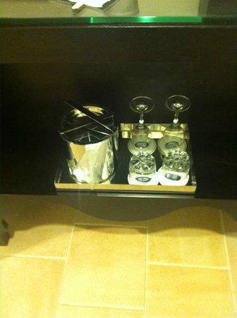 Loews Portofino Bay Hotel at Universal Orlando : well stocked
