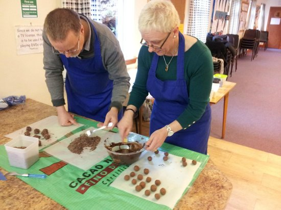 Cocoa Mountain Auchterarder: Truffle dipping