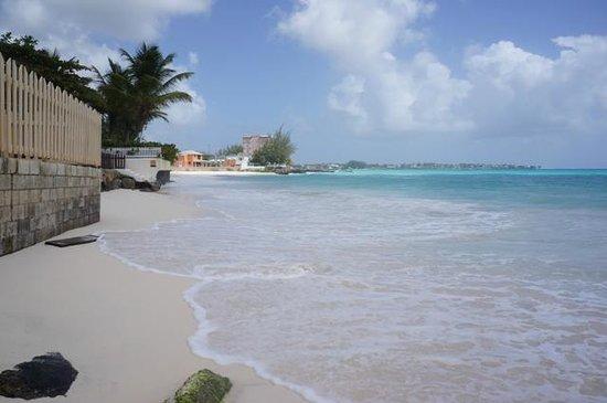 Butterfly Beach Hotel : Blick aus dem Resort auf den Strand