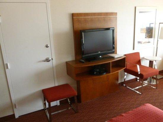 Holiday Inn San Francisco Golden Gateway : TV console