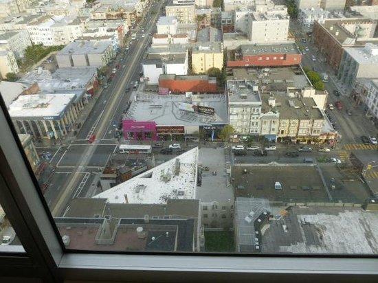 Holiday Inn San Francisco Golden Gateway: view down California St