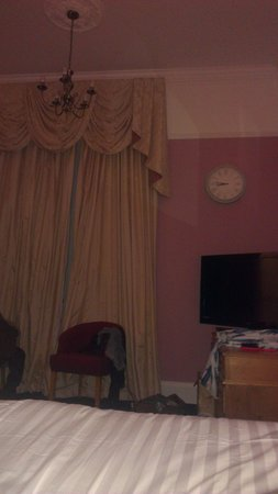 Lynford Hall: room