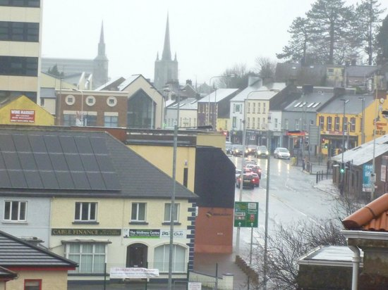 Belmore Court Motel: Enniskillen town from room 340