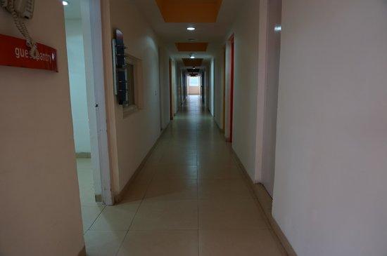 Ginger Hotel Guwahati: The corridor