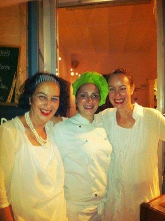 Cafe Parisien: La dueña , cocinera y hija propietaria ¡, muy agradables.¡¡