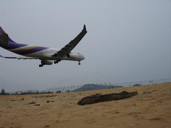 Dewa Et Plane Spotting On The Beach