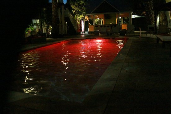 Truman Hotel: pool w/ dancing lights.