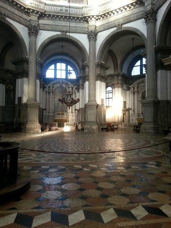 Int rieur picture of basilica di santa maria della for Campo co interieur